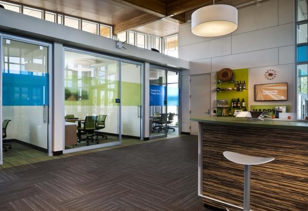1-interior-facing-offices_fullres