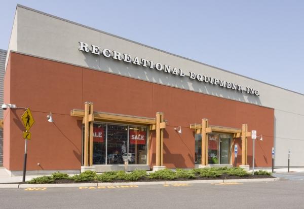 REI Bergen Town Center - Paramus, NJ